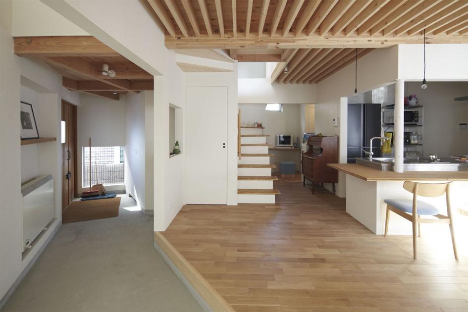 {일본협소주택} 빛을 찾은 작은 집