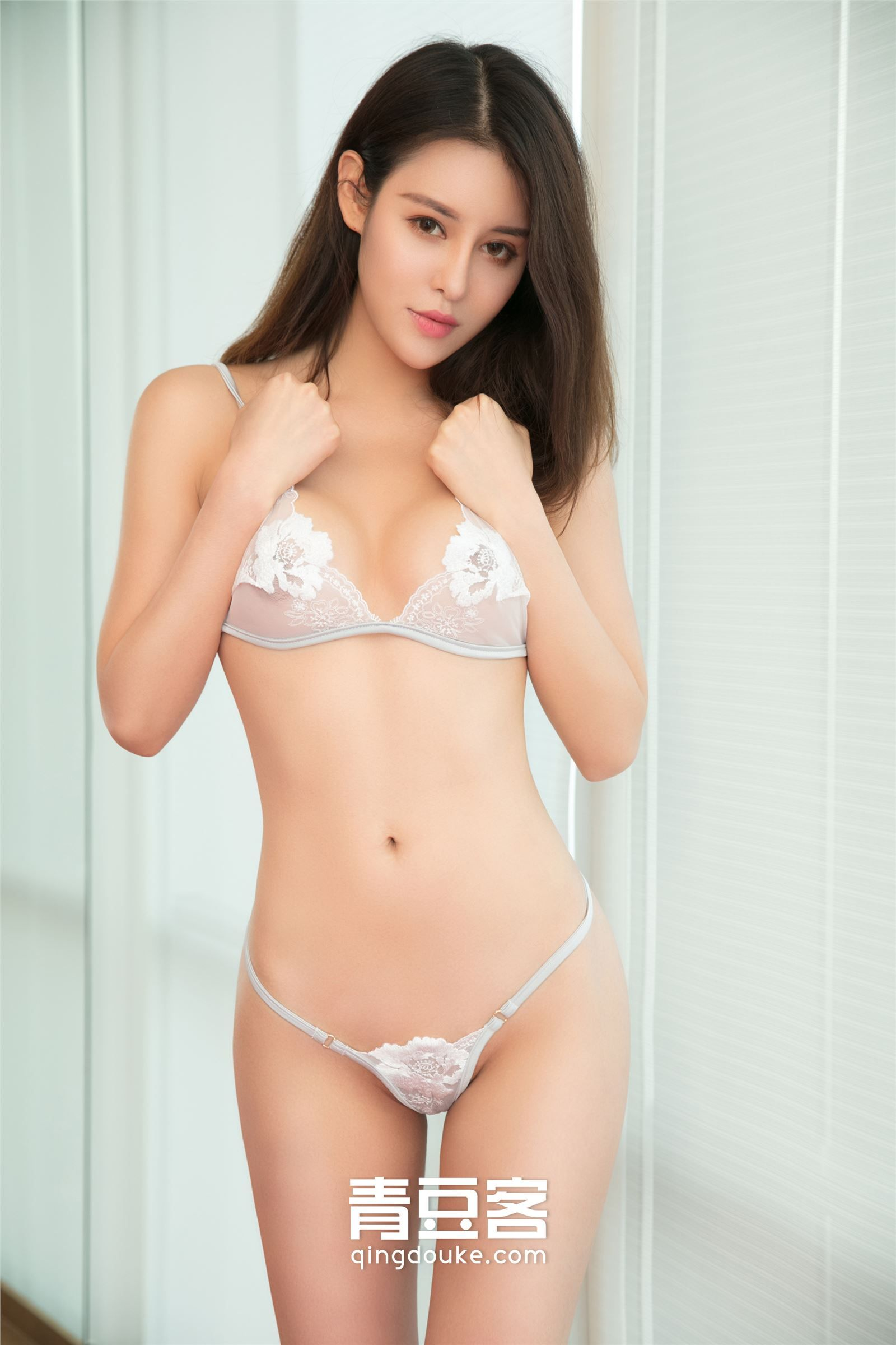 curvy Chinese girl in lingerie