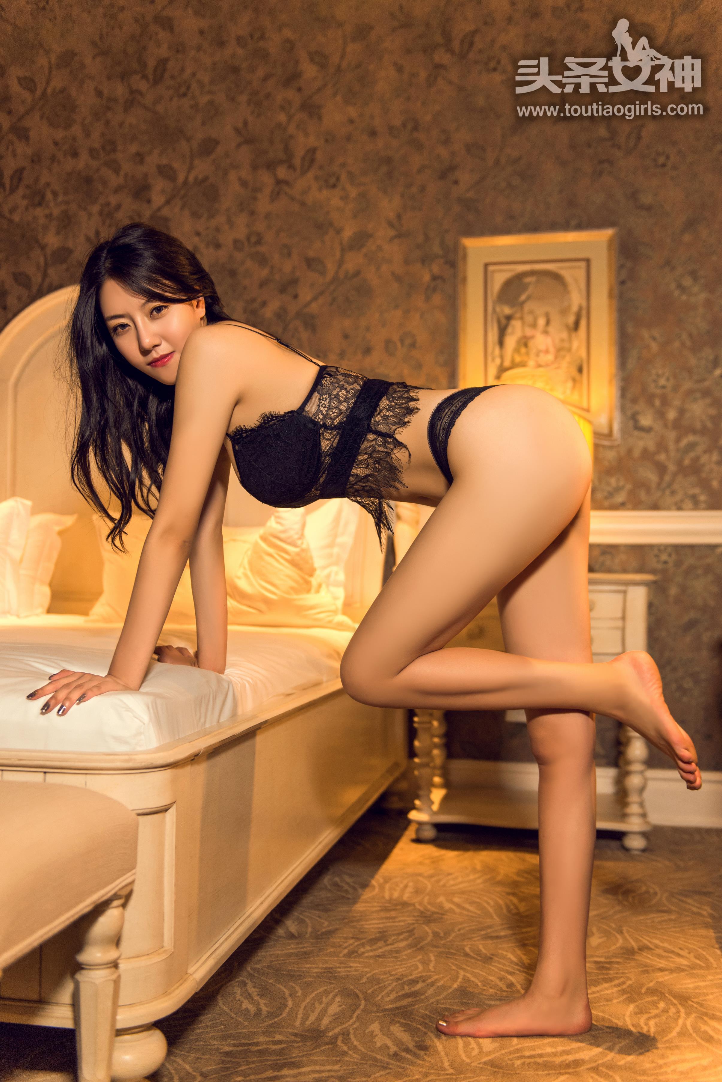 hot lingerie Chinese girl